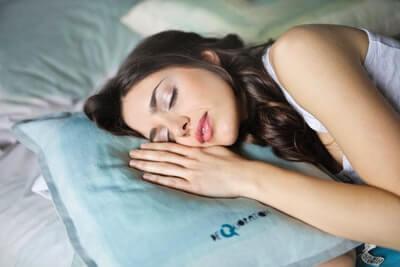 睡眠不足は不安感を30%増加させる