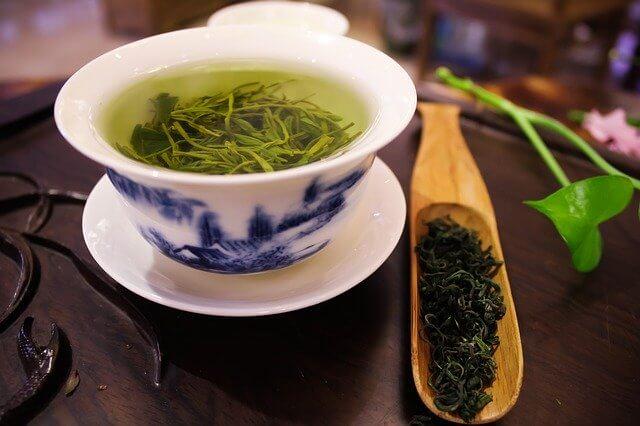 緑茶を飲む事でアナタが得られる10の効果